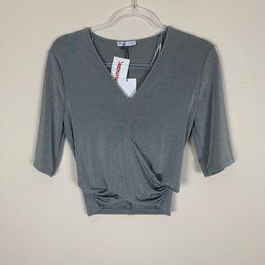 Zara | Gray half sleeve v neck crop size medium
